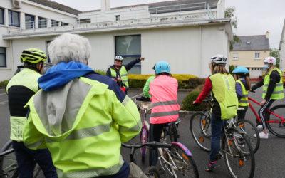 Le Conseil Municipal Jeunes teste à vélo les circuits de mobilités douces en zone urbaine